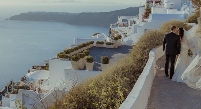 A Santorini's wedding.Nicole + Thomas