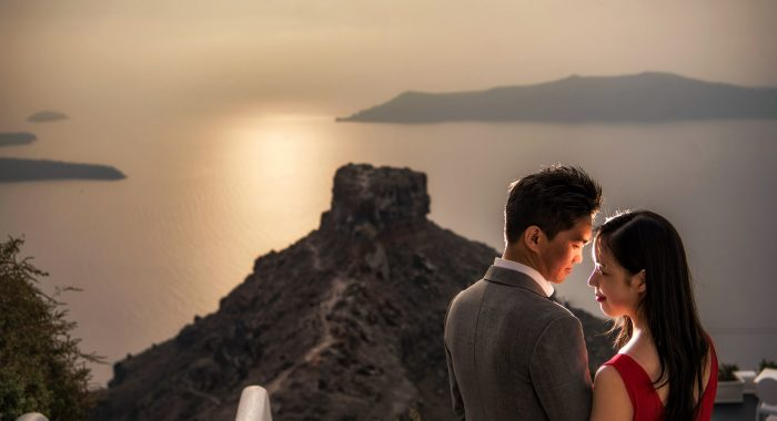 E-Session in Santorini with Grace and Charles